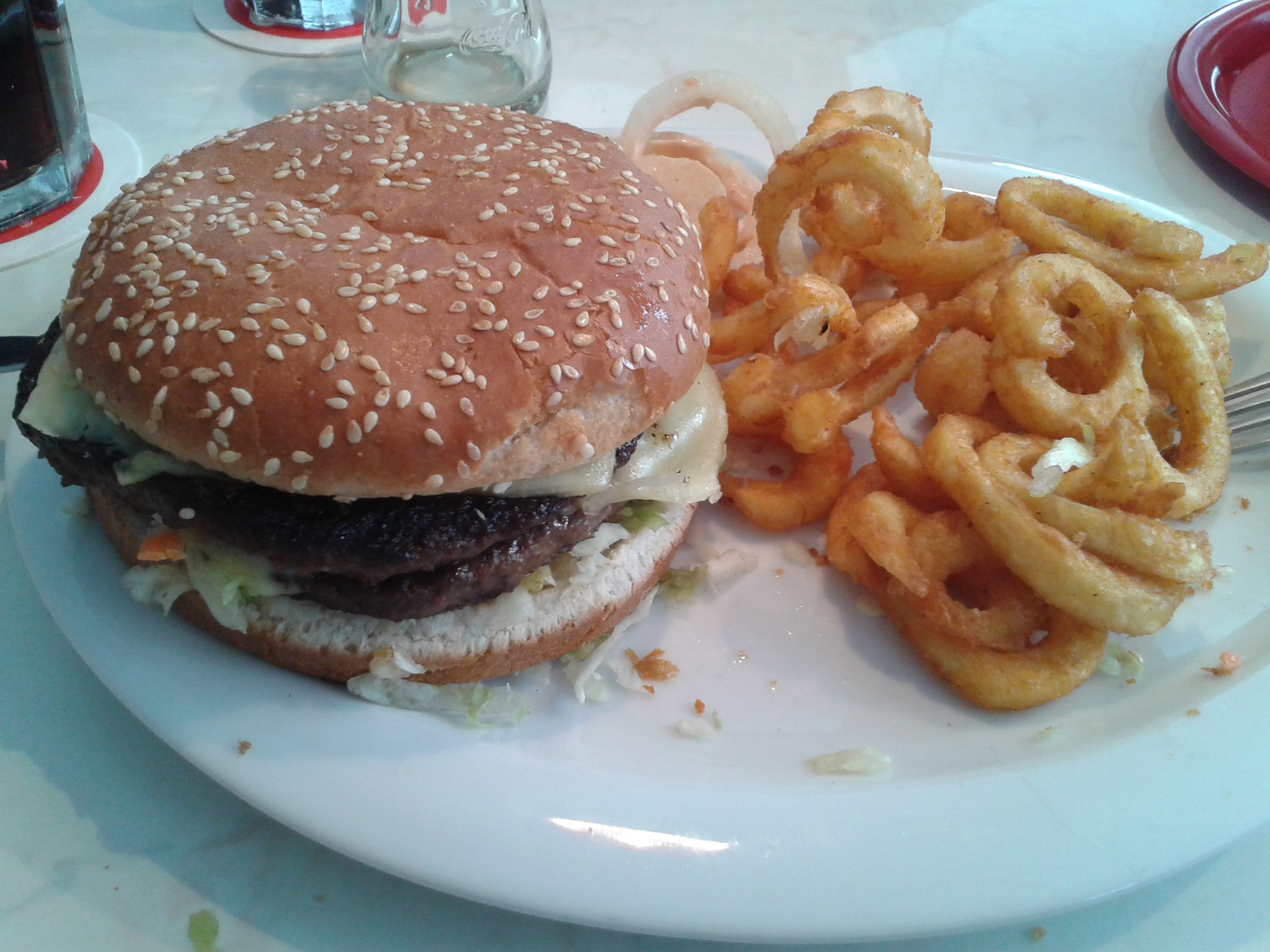 XXL Burger Hollywood Canteen